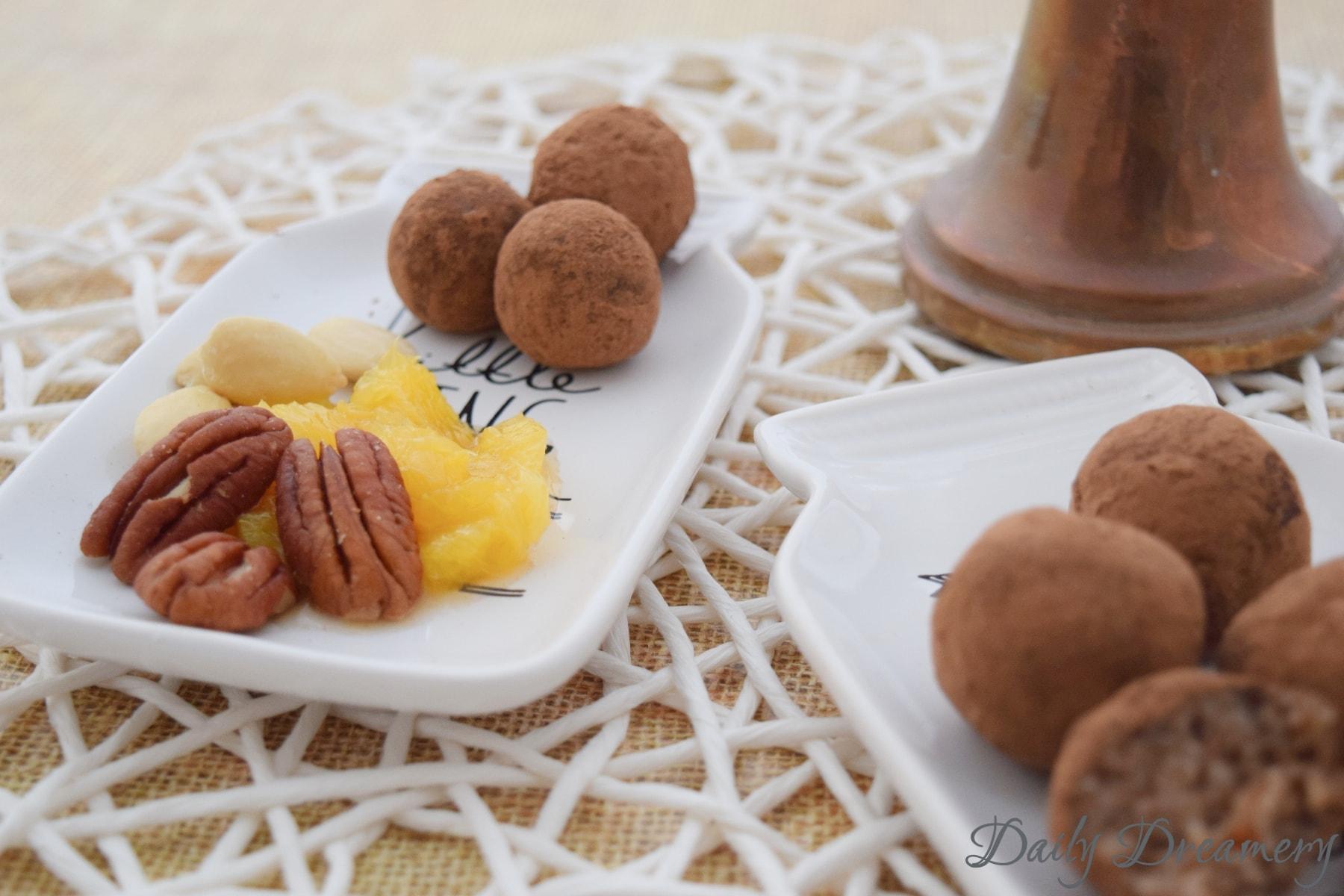 Marzipan aus Mandeln Pekannüssen und Orangen