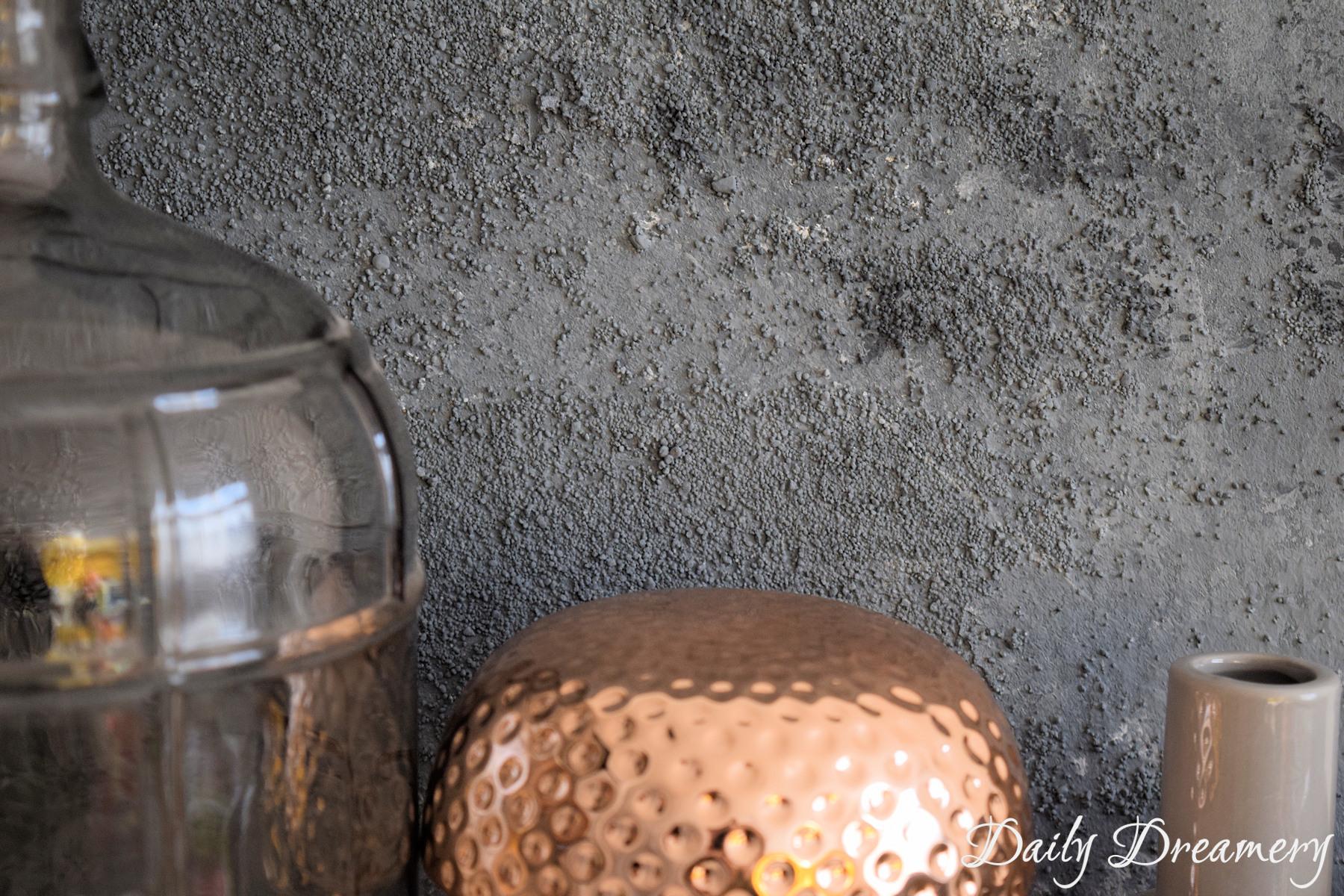 Wandbild Mondkrater mit selbstgemachter Strukturpaste