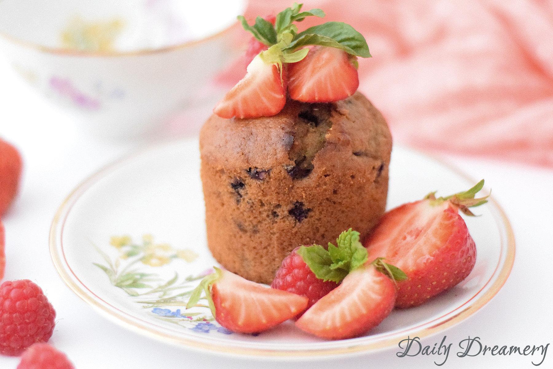 vegane Muffins mit frischen Beeren und ohne Margarine und Ei-Ersatz