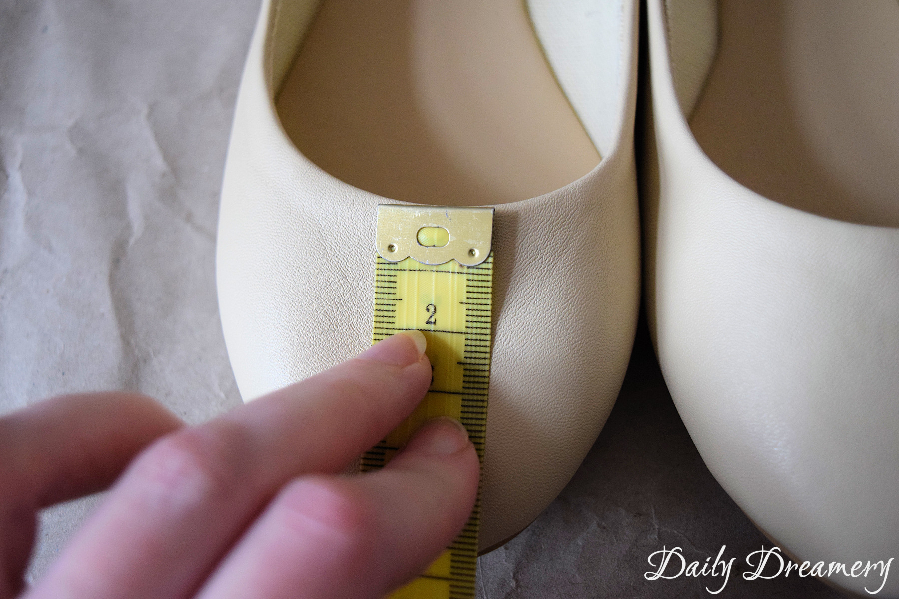 Mit Lederfarben Schuhe Bemalen Fur Echte Trend Schuhe Daily Dreamery