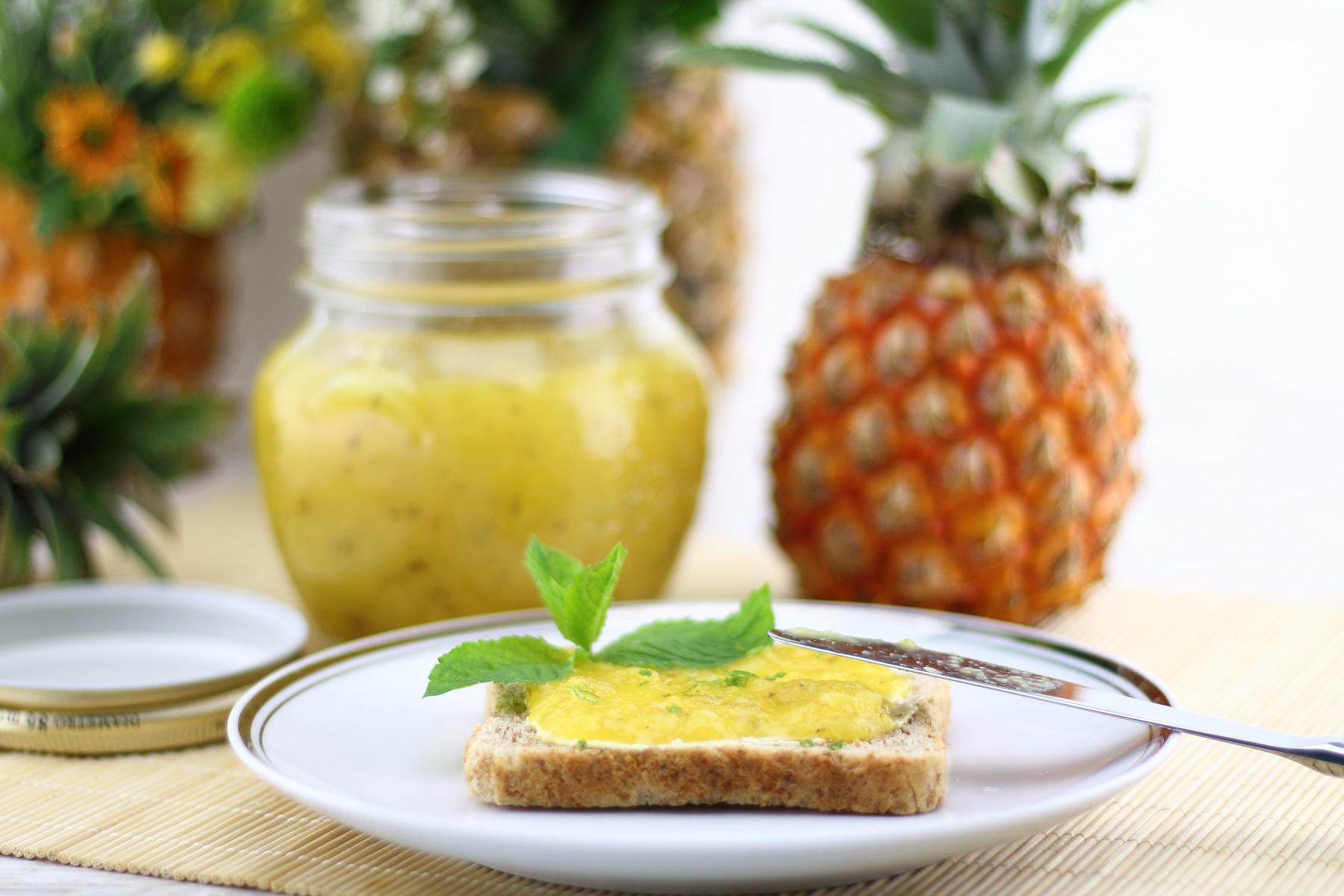Sommerlicher Ananas-Limetten-Fruchtaufstrich - Rezept für vegane fruchtige Ananasmarmelade