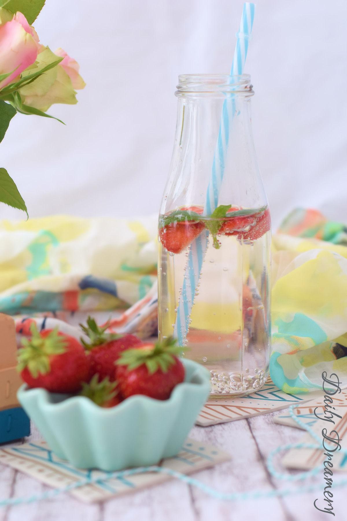 Mudcloth-inspirierte Untersetzer aus lufttrocknender Modelliermasse - wunderschöne Sommerdeko