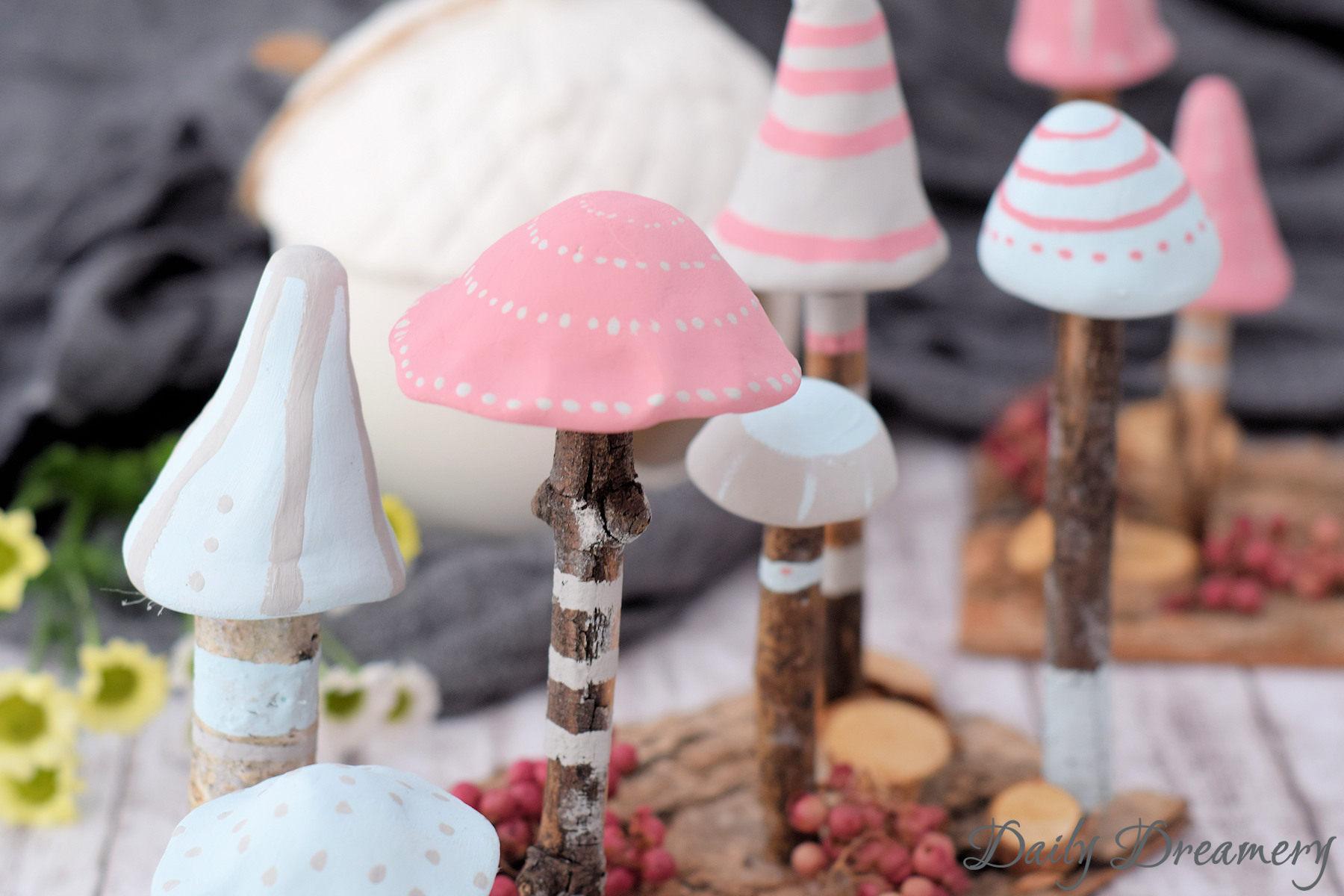 Zauberhafte Mini-Pilze sorgen für magische herbstliche Stimmung in deinem Zuhause. DIY-Anleitung #diyanleitung #herbst #dekoration