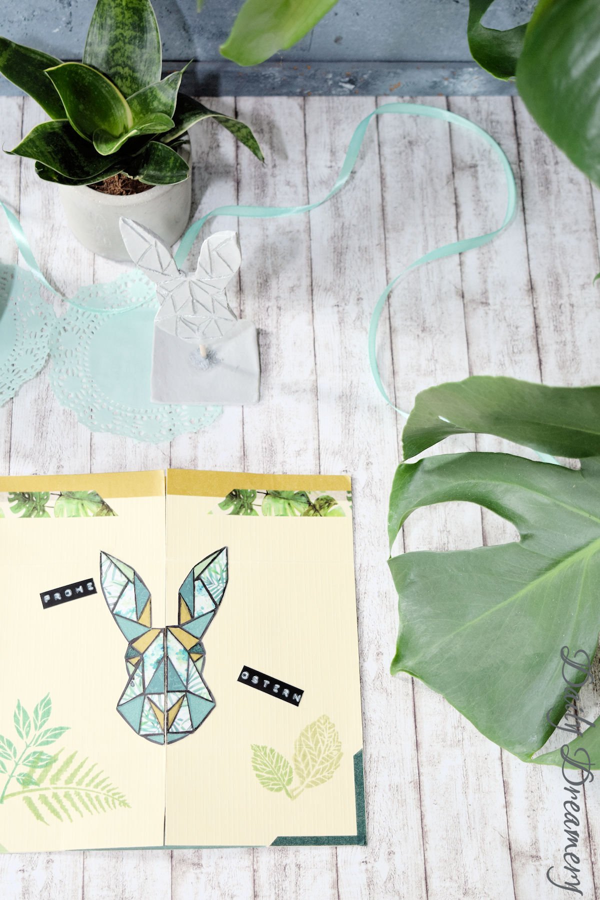 DIY Anleitung für eine Endloskarte, inspiriert vom Urban Jungle Trend und ein bisschen magisch #ostern #kartenbasteln #urbanjungle