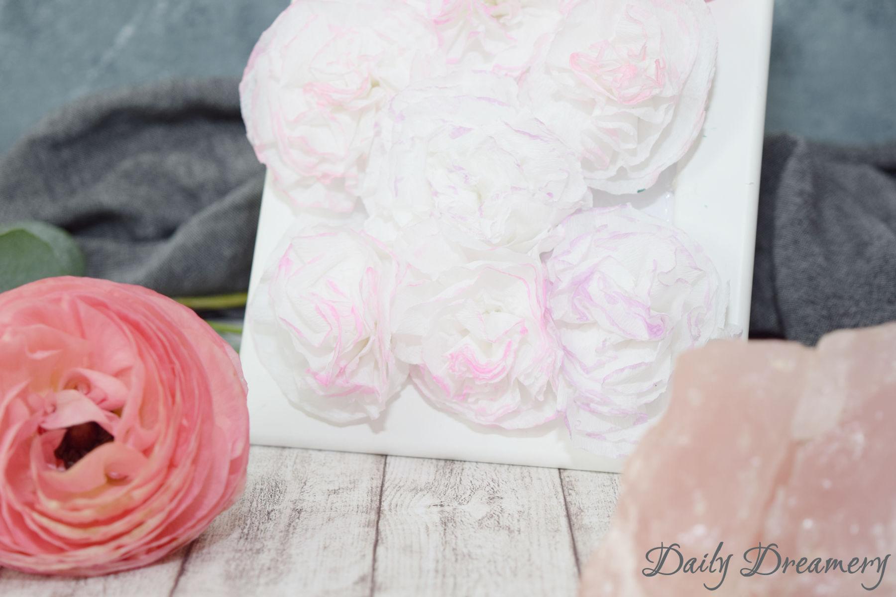 DIY Blumenbild aus Krepp-Papier, tolle Geschenkidee für Muttertag #diy #muttertag #blumen