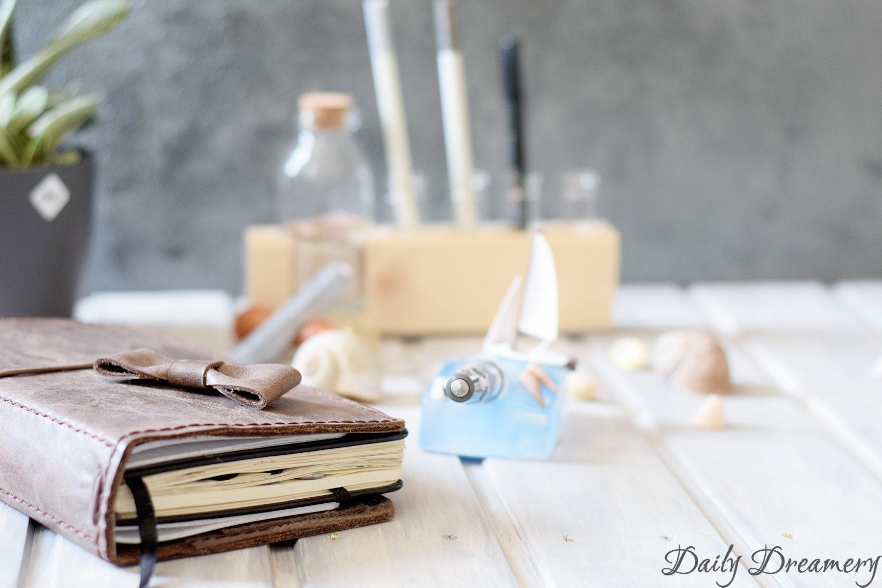 maritimer Stiftehalter, perfekt für Urlaubserinnerungen im Reisetagebuch oder als Schmuckstück auf dem Schreibtisch #diy #penholder #stiftehalter