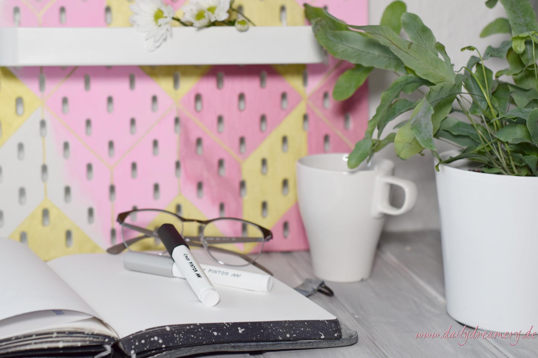 Pegboard von IKEA mit PINTOR Stiften von Pilot individualisieren IKEA Hack